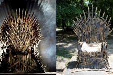 Seniman ini bikin 387 pedang jadi kursi, hasilnya mirip Iron Throne