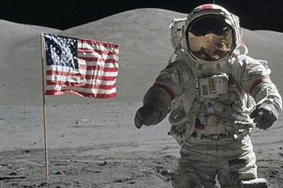 Tas astronot Apollo 13 ini bakal dijual, harganya fantastis lho