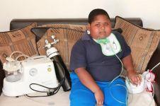 Bocah ini akan makan tisu toilet jika ibunya telat memberi makanan