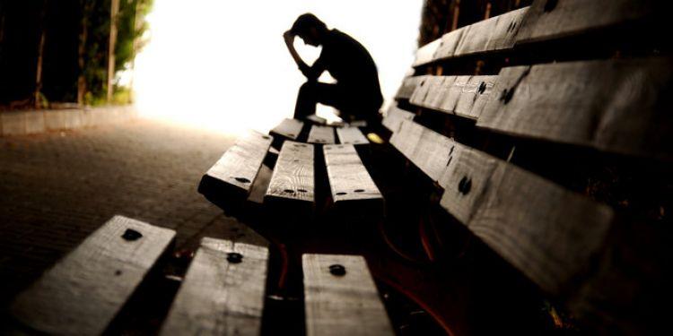 Bagaimana mengatasi depresi di era media sosial?