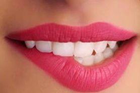 Kebiasaan ini ternyata yang bikin bibir wanita jadi kering
