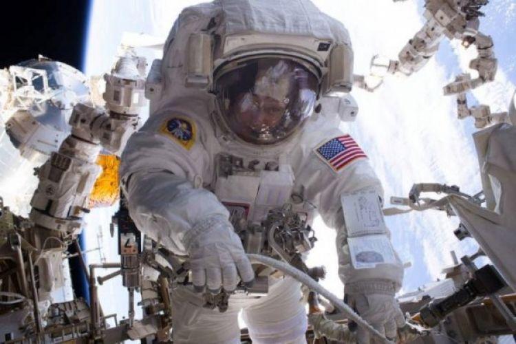 Tiga astronot dikirim ke Stasiun Luar Angkasa Internasional