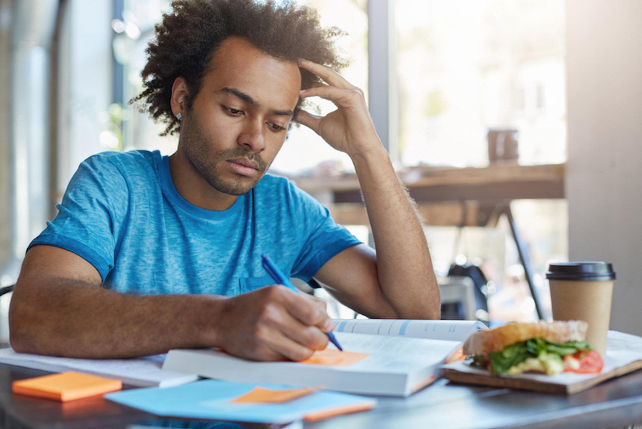 Alasan kenapa bisa lupa lapar saat beraktivitas yang menyenangkan