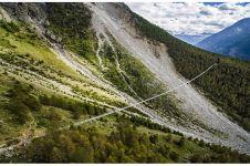 10 Potret Europabruecke, jembatan gantung terpanjang di atas jurang