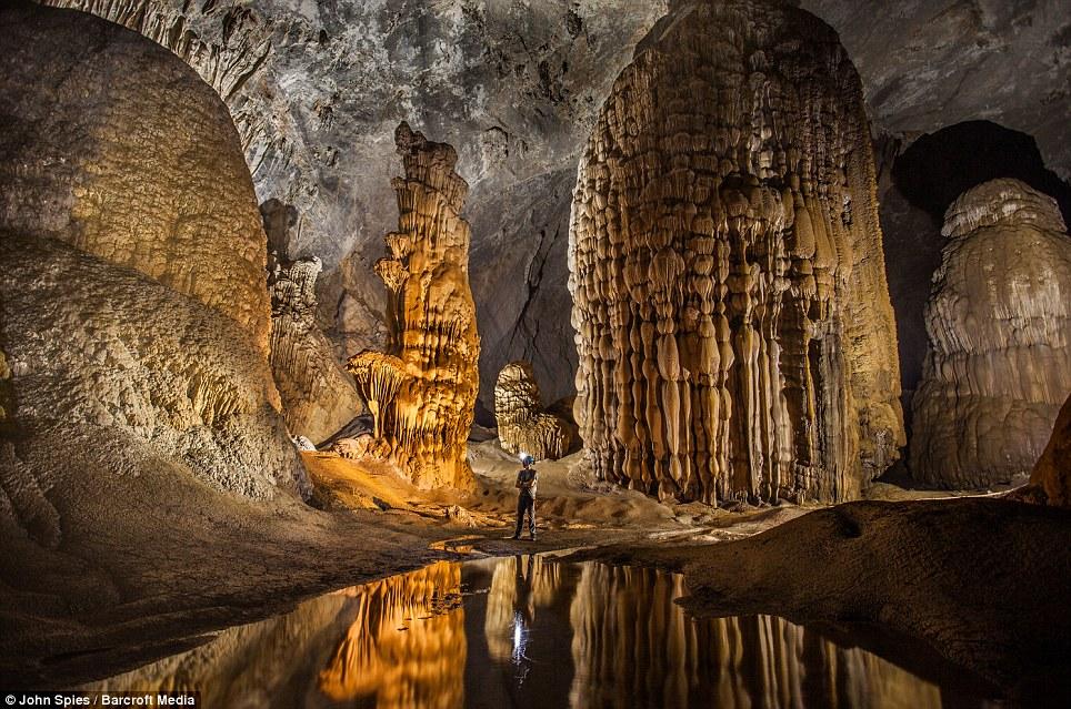 14 Potret eksotis goa terbesar dunia Hang Son Doong di Vietnam