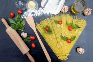 Kamu bisa nikmati berbagai hidangan khas Italia di hotel ini