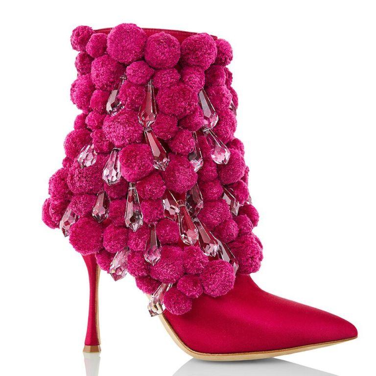 sepatu manolo blahnik  © 2017 berbagai sumber