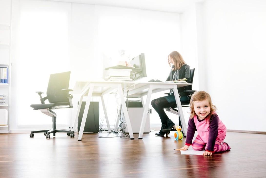 6 Tips aman bawa buah hati ke kantor tanpa takut diganggu