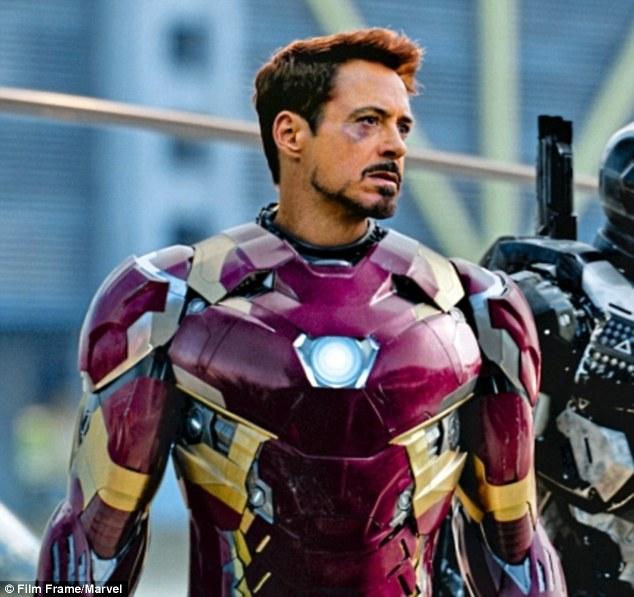 Ini Derita 10 Pemeran Superhero Saat Kenakan Kostum Nggak