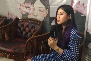 Ungkapkan perasaan, Ullynara Zungga 'Dewi Dewi' curhat lewat buku