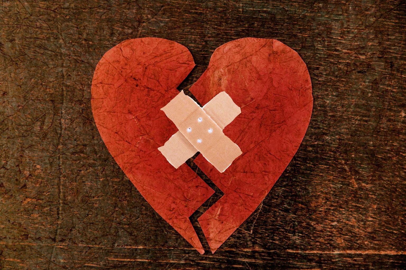 Begini penjelasan ilmiah apa yang terjadi pada tubuh ketika patah hati