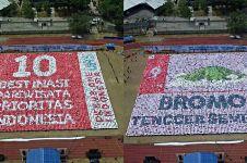 8 Mosaik dari ribuan mahasiswa baru UNS Solo ini keren abis