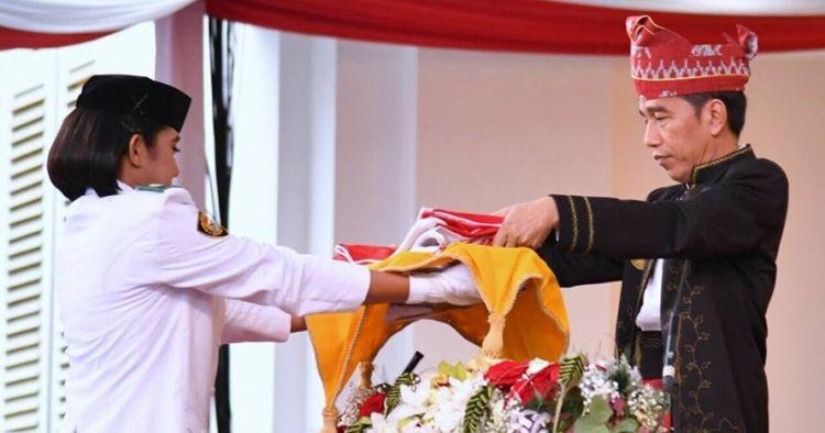 Curhat lucu Jokowi di balik penyerahan bendera pusaka, nggak nyangka