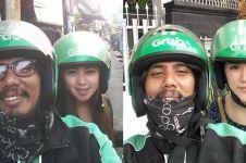 Driver ojek online ini selalu ajak foto penumpang cantik, leh uga u!