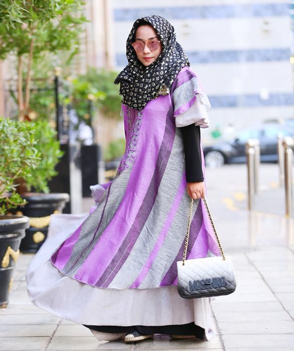 Gaya Glamor Anniesa Hasibuan Suami © 2017 brilio.net