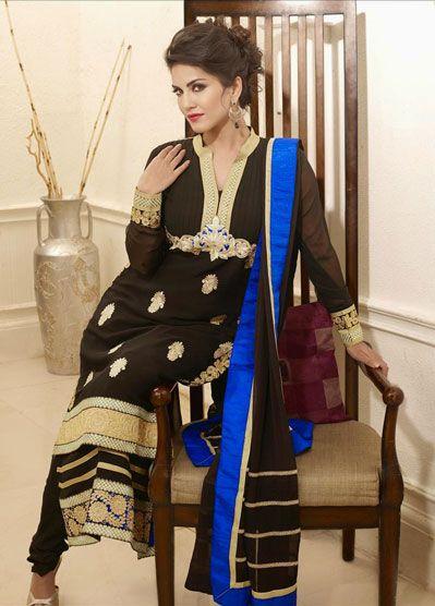 Sunny Leone Pakai Pakaian Sopan © 2017 brilio.net