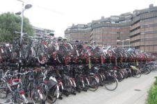 Parkiran ini disebut terbesar di dunia, mampu tampung 12.500 sepeda