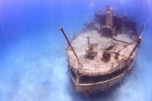 13 Foto bangkai kapal di dasar lautan ini kental dengan nuansa horor