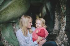 6 Kalimat yang tak boleh dikatakan ibu pada putri kecilnya