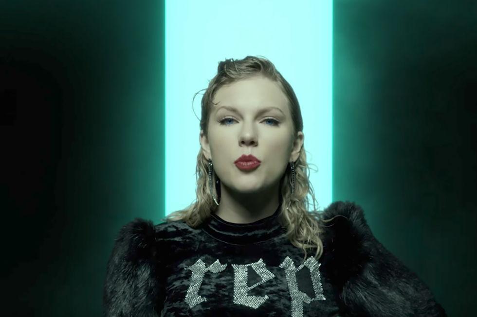gaya makeup dan rambut Taylor Swift  © 2017 berbagai sumber