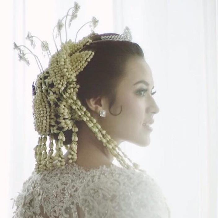 Ini dia sosok di balik cantiknya penampilan Raisa saat pernikahan