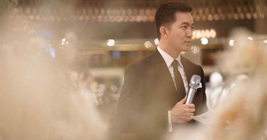 10 Gaya MC ganteng di pernikahan Raisa-Hamish yang curi perhatian