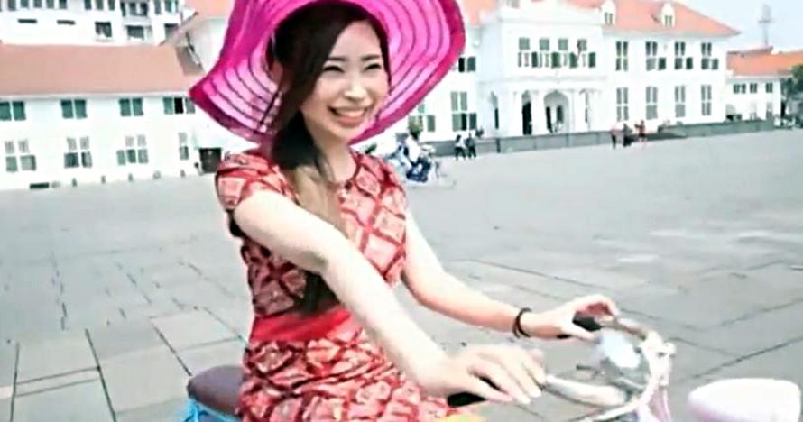 Heboh artis film dewasa Jepang jalan-jalan ke Kota Tua Jakarta