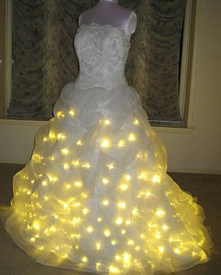 gaun pengantin aneh © oddee.com