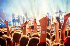 7 Cara terbaik nikmati festival musik yang banyak panggung & pentasnya