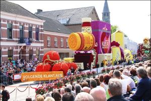 Ini 10 karya seni apik parade bunga di Belanda, bikin berdecak kagum