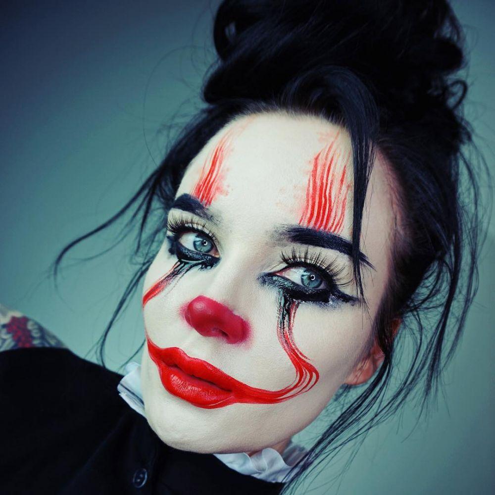 makeup ala badut IT  © 2017 berbagai sumber