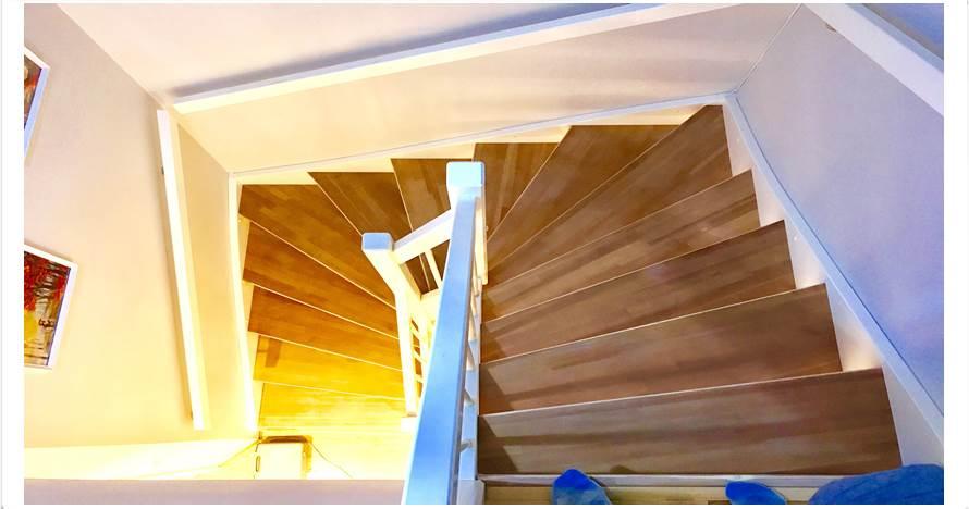 Awalnya biasa saja, tangga ini makin menakjubkan usai dicat pelangi