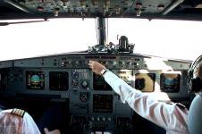 Pilot ini dikabarkan rekam dan sebar adegan seksual para pramugari
