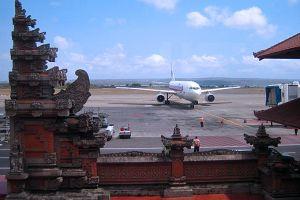 Penerbangan di Bandara Ngurah Rai tak terpengaruh status Gunung Agung