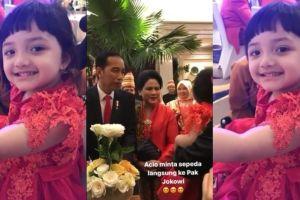 Gaya lucu Arsy putri Anang Hermansyah saat minta sepeda ke Jokowi