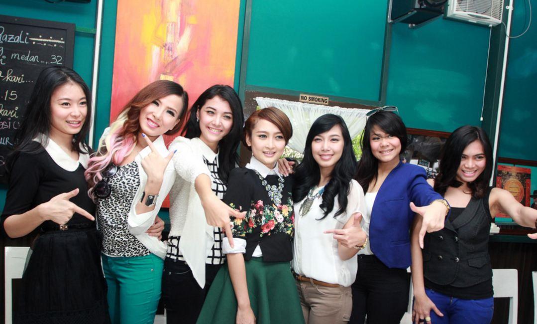 Sudah 3 tahun bubar, begini kabar mantan member girlband 7 Icons
