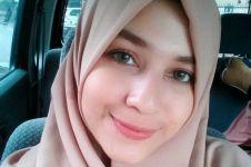 7 Potret Mona Rizqia, putri pelawak Kadir yang ayu jelita