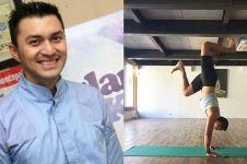 9 Pose yoga Anjasmara ini bukti ia layak disebut master, jago banget