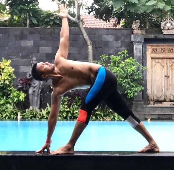Pose Yoga Anjasmara Master © 2017 brilio.net
