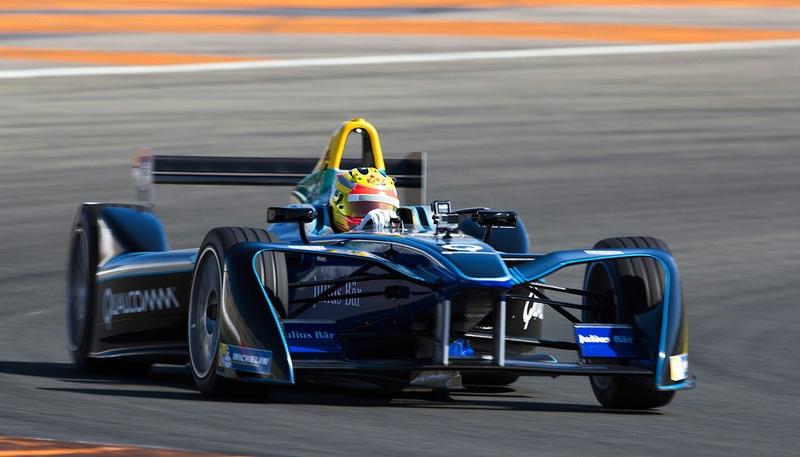 Tuntaskan tes Formula E, Rio Haryanto bertekad kembali ke lintasan