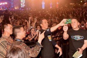 Nonton Synchronize Fest 2017, bukti Jokowi dekat dengan anak milenial