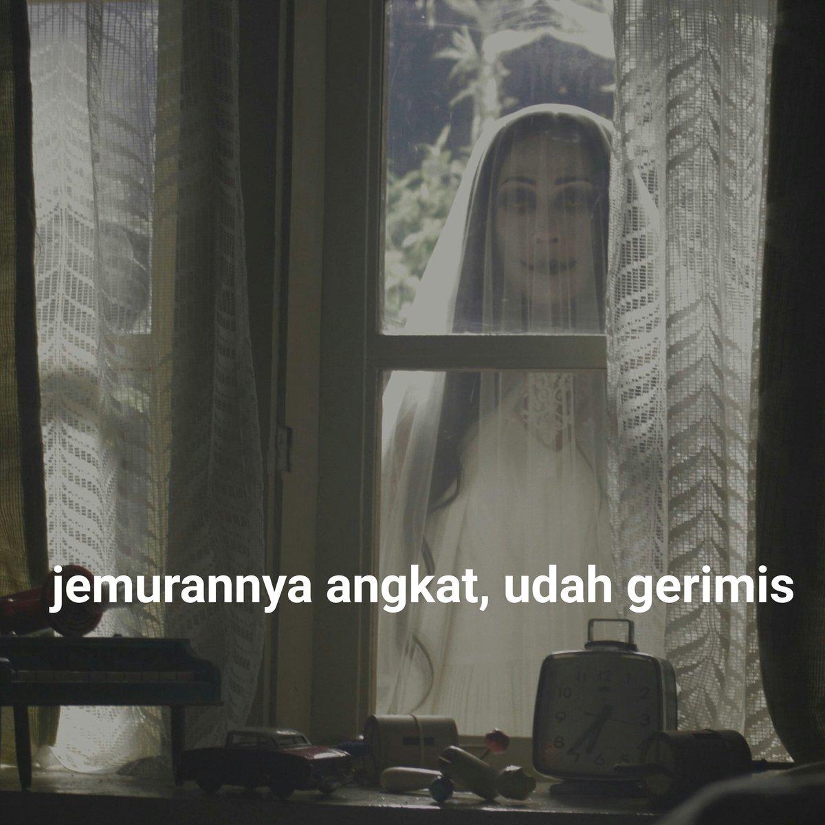 14 Meme 'Ibu Nanya' dari film Pengabdi Setan ini bikin gagal horor