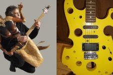 10 Gitar unik, ada yang bentuknya mirip keju hingga kursi