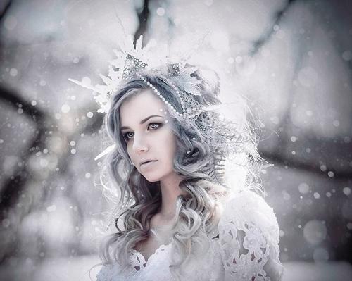 kreasi makeup tema ice queen  © 2017 berbagai sumber