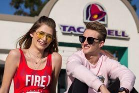 Taco Bell kolaborasi dengan Forever 21, koleksinya stylish & hits abis