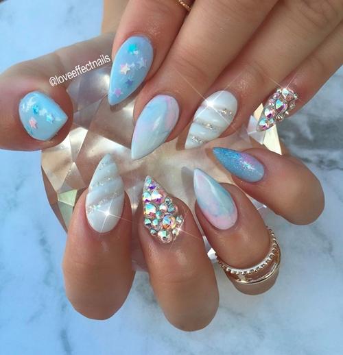 nail art tema unicorn  © 2017 berbagai sumber