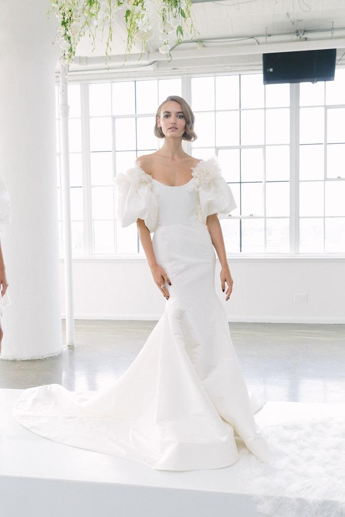 gaun pengantin marchesa  © 2017 Marchesa