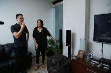 8 Rumah seleb Indonesia ini dikenal berhantu, kisahnya bikin merinding