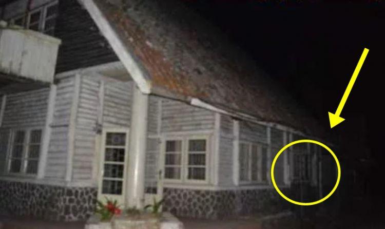6 Fakta ngerinya rumah Pengabdi Setan ketika didatangi pemburu hantu