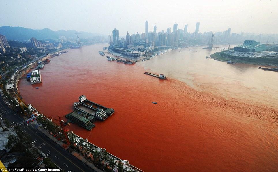 10 Sungai dunia ini pembawa 95% sampah di lautan, 2 ada di Indonesia